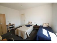 Amazing XL Twin Room for 2 friends or couple, 5 min to underground!! ARSENAL Zone 2, ref: 2A