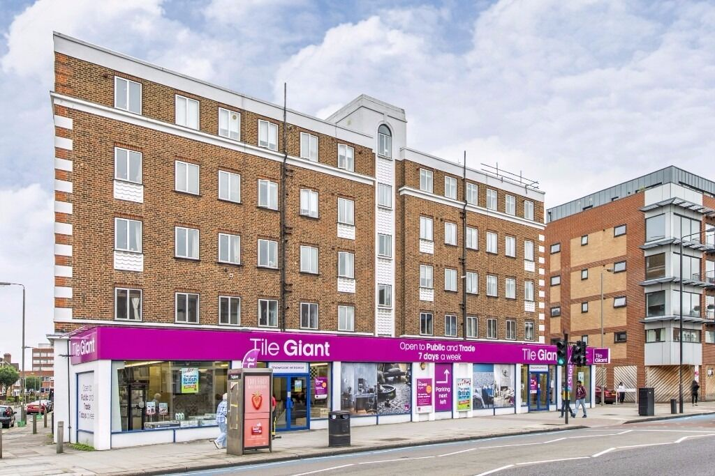 Hey, check me out - 2 bed flat Tooting