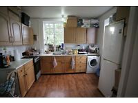 Fantastic large double room for rent in the heart of Shepherd's Bush