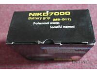 BATTERY GRIP FOR NIKON D7000 DSLR CAMERAS. £20.00.