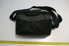 Lowepro Cirrus 140 camera case with strap - excellent condition