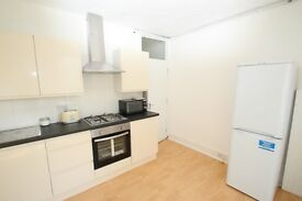 4 bedrooms in Finchley Road, London, NW11