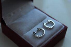 Brand new 18ct 750 Gold 6 Stones Diamond Creole Hoop Earrings
