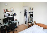 Double Room for rent in a clean family home in Hounslow/Isleworth