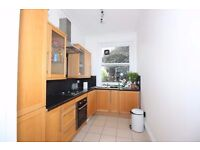 **AVAILABLE RIGHT NOW** DOUBLE ROOM ZONE 2