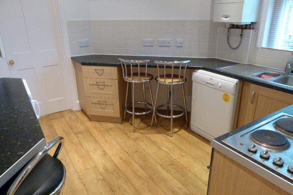 Two bed flat, Shepherds Bush, W12