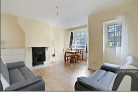 3 bedroom flat in Campbell House, London, W12 (3 bed) (#1011024)