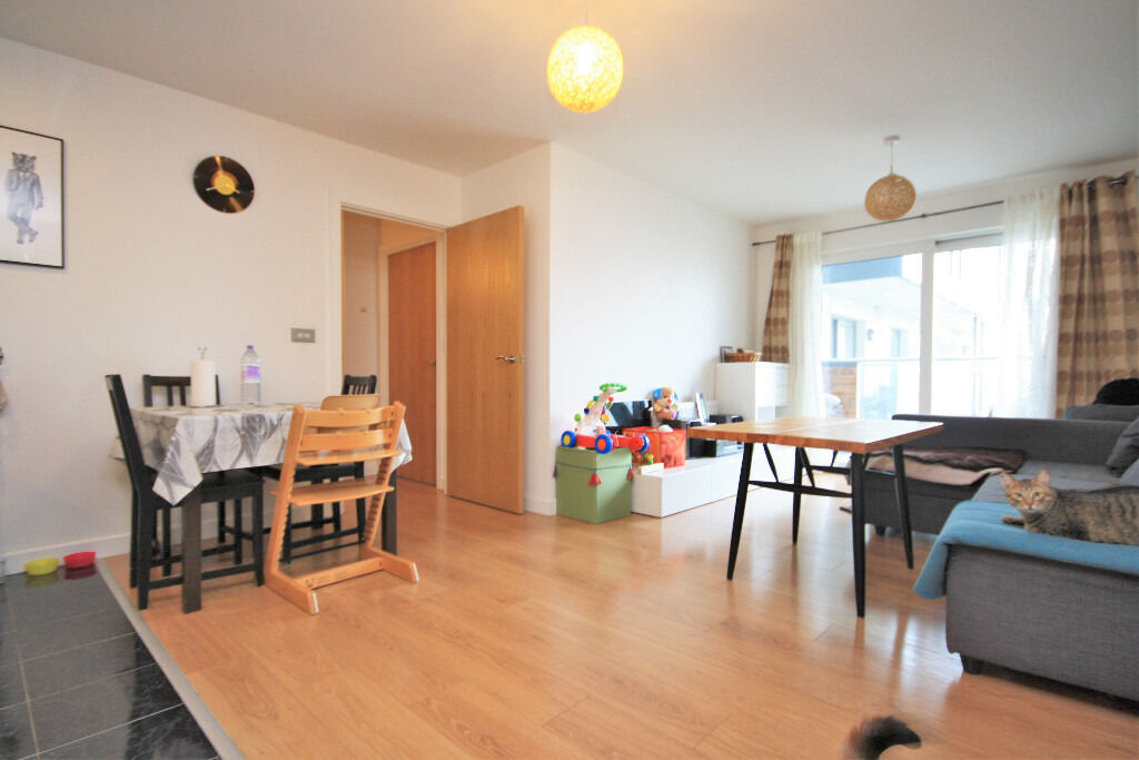 Contemporary two bed, two bath apartment, located in on the banks of the River Thames.