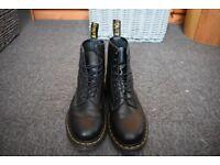 Dr. Martens Boots Black Size 8: Excellent condition.