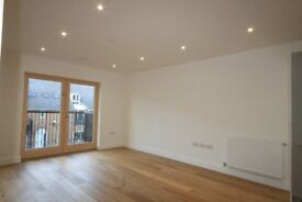 MUST VIEW!!!!!!!!! 2 bedroom flat in the heart of Bow. Newly built building in a excellent location.