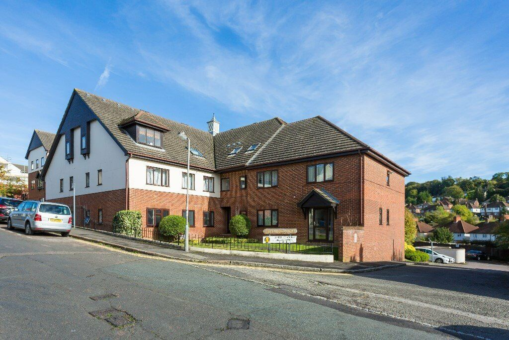 2 bed Ground Floor apartment High Wycombe