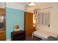 LARGE CLEAN COSY BEDSIT IN HAFOD