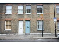 ( 2 ) Two bedroom House with private garden. Cahir Street, Docklands, London, E14