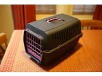 Small Pet Carrier - Plastic / used suit cat or small dog