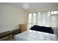 BEAUTIFUL double room with BALCONY close to VAUXHALL. ALL INCLUDED