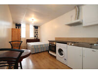 A newly refurbished cosy studio apartment located in Islington N1