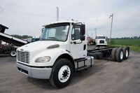 2006 Freightliner M2106 DAY CAB LONG FRAME