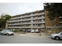 Oppida Estates are proud to market this spacious ground floor apartment, in very good condition.