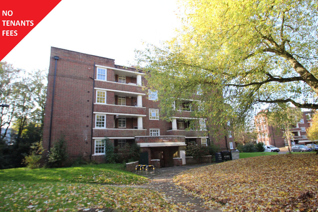 Large Three Double Bedroom Purpose Built Flat With Huge Reception Room Close To Highgate Station