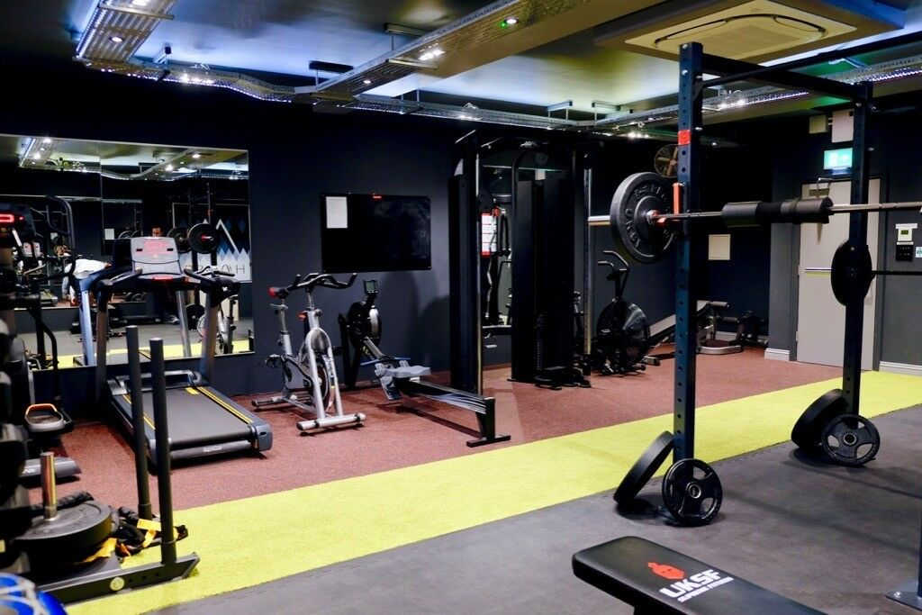 Private gym for personal training available to hire in pill bristol