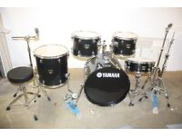 Yamaha Gigmaker Black Sparkle 5 Piece Full Drum Kit (22in Bass) + All Stands + Gigmaker Cymbal set