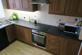 3 double bedroom, spacious HMO flat, King Street