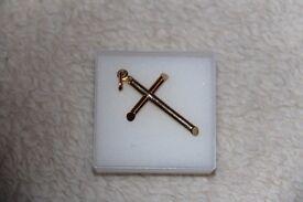 9ct yellow gold cross