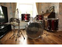 Thunder Drum Kit - 5 piece drum kit Maxwin by Pearl Ideal for beginners