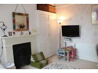 A lovely gf 2 bed London to Somerset for 2 or 3 bed