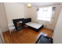 *DBL FOR COUPLE IN SHOREDITCH/BETHNAL! ALL INCLUDED! CLEANER! MORE ROOMS IN THE AREA!!!