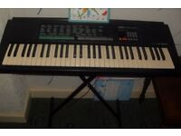 Yamaha PSR-150 electric organ + stand