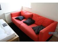 1 bedroom in Lower Road, Surrey Quays, SE16