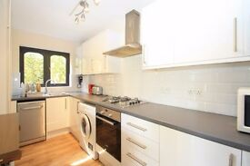 *** LOVELY REFURBISHED 2 BED HOUSE, FURNISHED, FREE PARKING, GAS CENTRAL HEATING, OFFERS CONSIDERED!