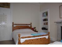 A double bedroom in Polwarth is available for rent from 1st September