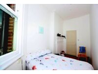 Colorful Double Room in Finchley area