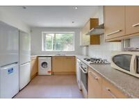 SPACIOUS 4 BED HOUSE, 2 NEW bathrooms, NEW flooring throughout, REAR GARDEN, 4 double rooms, E14 3AE