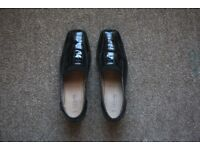 Caravelle Black Low heels size 9. Cheap house clearance