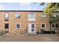 BRIDLE CLOSE, KT1 - A STUNNING BRAND NEW THREE DOUBLE BEDROOM HOUSE WITH TWO BATHROOMS - VIEW NOW