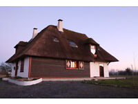 Pyrenees Beautifully designed *****Bespoke ecobuild thatched cottage - view of mountains, must-see!!