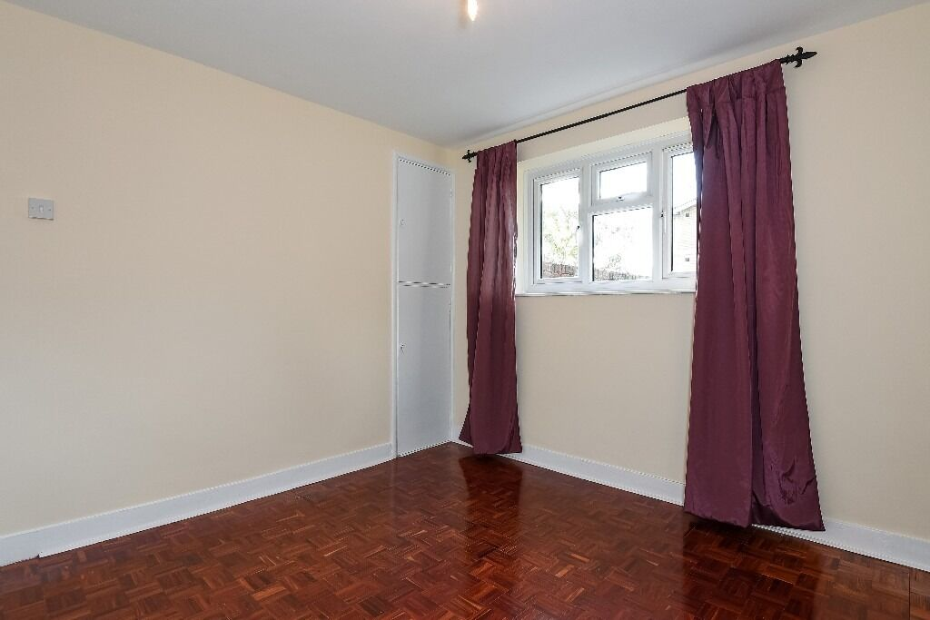 Two Double Bedroom Flat, Salter House, Tooting SW16, £1350 Per Month