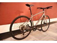Whyte Whitechapel Hybrid bicycle. 18 inch frame. Hydrolic disk brakes. Like new.