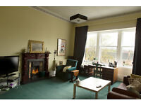 2 Bd Attractively furnished flat, Kirklee Quadrant, West End Glasgow, steps to GW Rd/next to Botanic