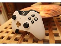 *Official Xbox One Special Edition Lunar White Wireless Controller*