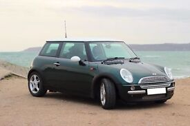 FREE UK DELIVERY! MINI Cooper Immaculate British Racing Green (BRG) White Roof Chilli Pack Leather