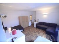 LOVELY LARGE TWIN ROOM TO RENT IN MANOR HOUSE AREA 1 MIN WALK TO THE TUBE STATION. 13M