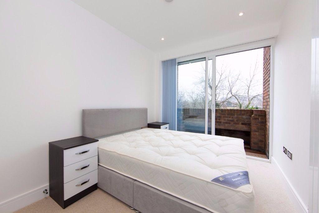 @ Stunning one bedroom modern apartment - Close to station - Lewisham/Blackheath !