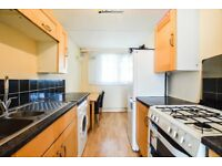 SAPCIOUS ONE BEDROOM PROPERTY LOCATED A 2 MINUTE WALK TO FINSBURY PARK STATION!