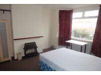 PROFESSIONAL SHARED HOUSE - FURNISHED DOUBLE ROOM - ALL BILLS INCLUDED