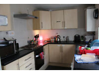Fully Furnished, Clean Houseshare,100mb wifi, near town