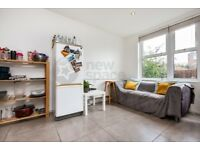4 bedroom house with private garden on Lyneham Walk, E5 0HX